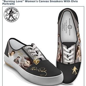 """Burning Love"" Elvis Women's Canvas Sneakers"